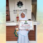 Santri SMP Ar-Rohmah Putri Juara I Lomba Menulis Cerpen se-Jawa Timur