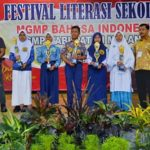 Santri SMP Ar-Rohmah Putri Raih Juara Festival Literasi Sekolah Se-Kabupaten Malang